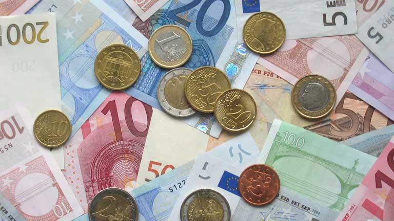 Los inversores exigen los mismos intereses para comprar bonos a diez y a tres años