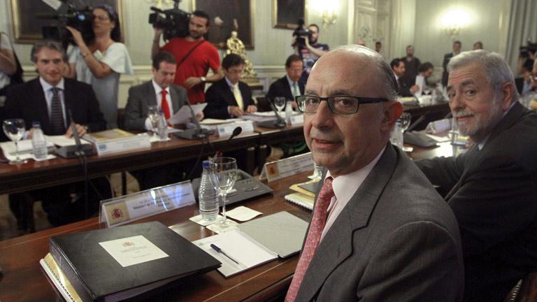 Gobierno y CC.AA. se reúnen este martes para fijar los objetivos de déficit para 2013