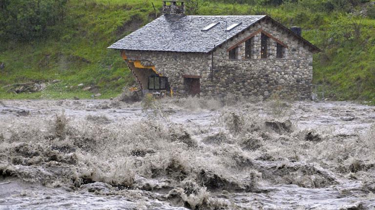 Situación de emergencia en el Valle de Arán por la crecida de los ríos