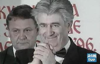 Ver v?deo  'Los crímenes que pesan sobre Karadzic'