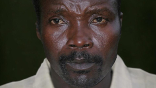 Ver vídeo  'El criminal de guerra Kony, buscado por las redes sociales'