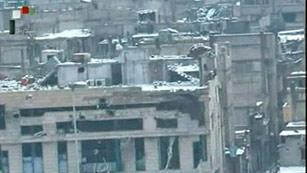 Ver vídeo  'La Cruz Roja distribuye ayuda en Homs pero sigue sin poder entrar en el barrio de Baba Amro'