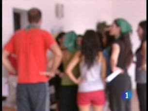 """Ver vídeo  'Cuatro de cada 10 personas que tienen trastornos alimenticios empezaron probando una """"dieta de verano""""'"""