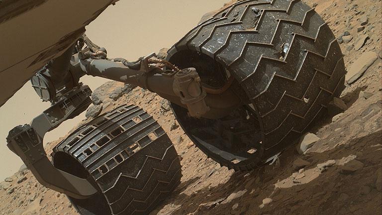 Imagen facilitada por la NASA del rover Curiosity en Marte