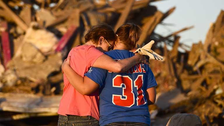 24 personas habrían muerto tras el tornado en Oklahoma
