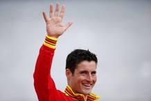 El español David Cal, celebra su medalla de plata en C1 1.000 metros de piragüismo de los Juegos Olímpicos de Londres.