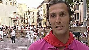 Ver vídeo  'David Mora, triunfador de la feria de San Fermín 2013, corre el sexto encierro'