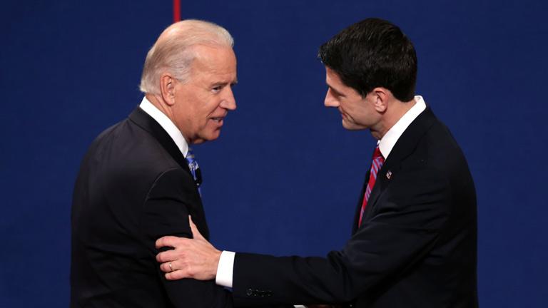Biden y Ryan intercambian ataques en un tenso debate vicepresidencial