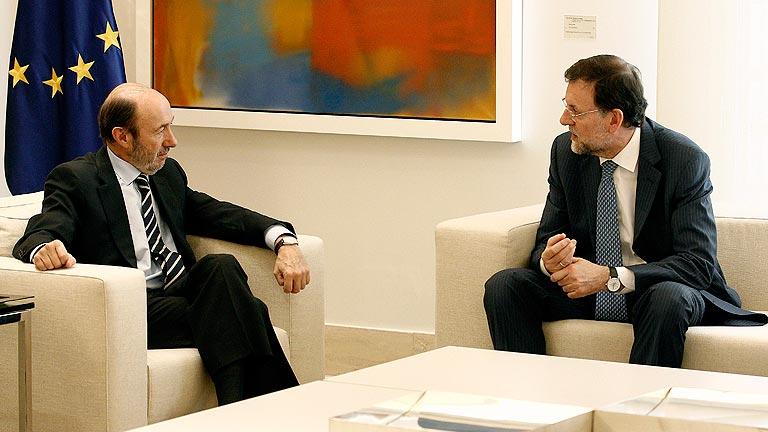 Rubalcaba y Rajoy reabren el diálogo