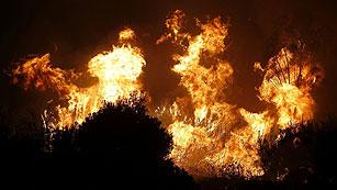 Ver vídeo  'Declarado un incendio en Coín (Málaga), que avanza sin control'