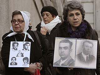 Ver vídeo  'Declaran dos nietas de represaliados en el juicio contra Garzón'