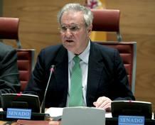 Enrique Múgica cesa como Defensor del Pueblo