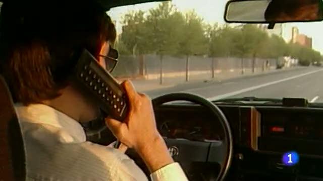 Del 'zapatófono' al último iPhone, la evolución del teléfono móvil