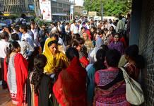 Centenares de personas han sido evacuados y deslojados a causa del seísmo de 7,7 grados en Pakistán.