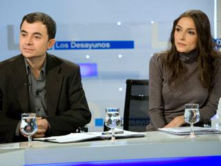 Ver vídeo  'Los desayunos de TVE - Entrevista a dos actvistas del 15M'
