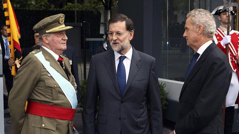 Rajoy preside su primer desfile de la Fiesta Nacional, austero y sin pitidos