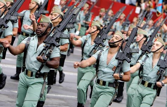 Ver v?deo  'El Desfile de la Hispanidad, en directo en La 1 y RTVE.ES'