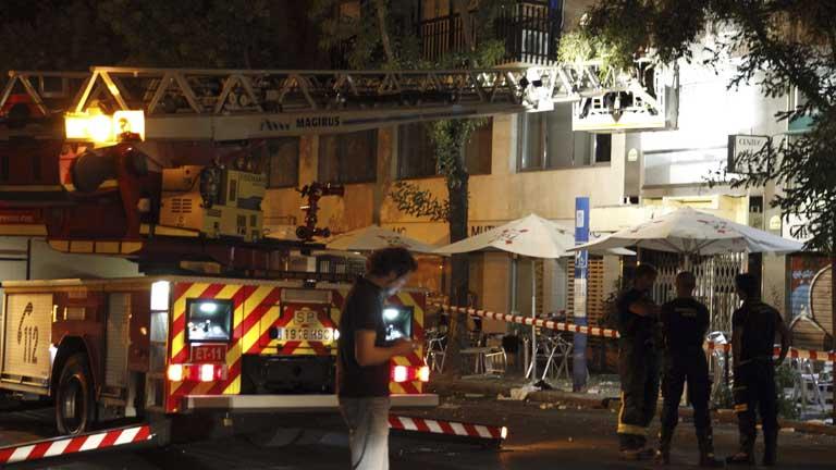 El desprendimiento de un balcón mata a un joven en el barrio madrileño de Argüelles