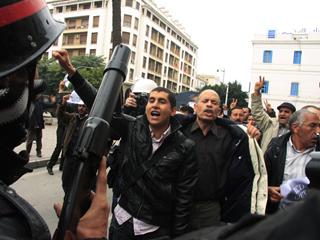Ver v?deo  'Después de la huida de Ben Ali, el pueblo tunecino ha seguido protestando'
