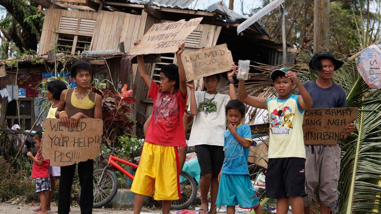 El tifón Haiyan causa enormes destrozos en Filipinas