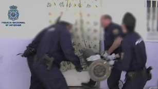 Ver vídeo  'Detenidos 7 miembros de un clan familiar en la Cañada Real'
