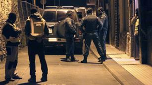 Ver vídeo  'Detenidos dos presuntos miembros de ETA no fichados por la policía en Andoain'