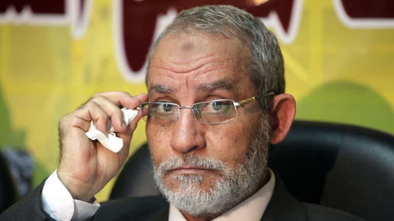 Detienen al líder e los Hermanos Musulmanes, Mohamed Badía