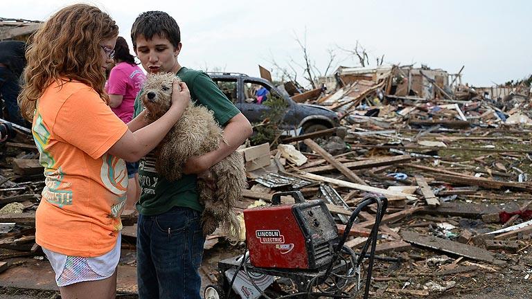 Al menos 91 muertos y decenas de desaparecidos por un devastador tornado en Oklahoma