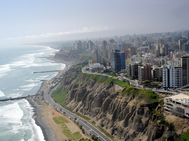 El diario de Limón: 'Entre2aguas' en Lima