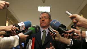 Ver vídeo  'Diferencia de opiniones sobre la suspensión de la Infanta en el Caso Noos'