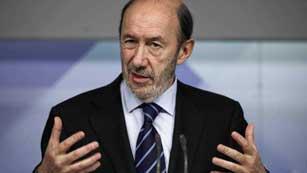 Ver vídeo  'La dimisión de Rato y el Plan de saneamiento de Bankia provocan diferentes reacciones políticas'