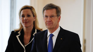 Ver vídeo  'Dimite el presidente alemán Christian Wulff'