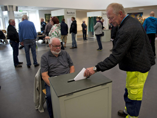 Ver vídeo  'Dinamarca vota en unas legislativas marcadas por la posible vuelta de la izquierda al poder'