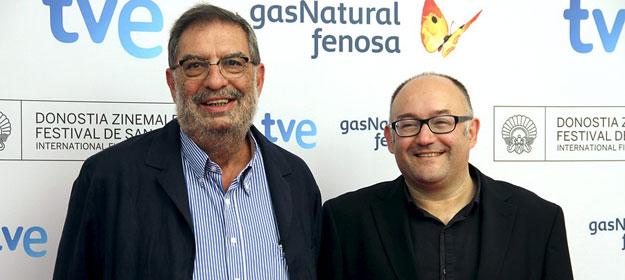 El director del Festival de San Sebastian, José Luis Rebordinos (derecha) y el presidente de la Academia de Cine, Enrique González Macho