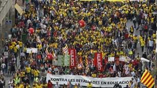 Ver vídeo  'Disparidad de cifras del seguimiento de la huelga en Educación entre Sindicatos y Gobierno'