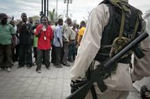 Disturbios frente a la Fiscalía donde Jean-Claude Duvalier ha sido interrogado