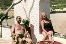 Fotografia facilitada por Horst Lehwald del doctor Hans Schilling y su mujer Marketta, en la terraza de El Bulli en los años 60