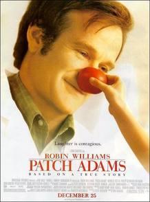 El Doctor 'Patch Adams' contagia la sonrisa a sus pacientes