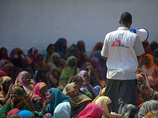 Ver vídeo  'Dos cooperantes españolas de MSF secuestradas en un campo de refugiados de Kenia'