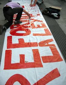 La reforma de la ley electoral es una de las peticiones de los manifestantes
