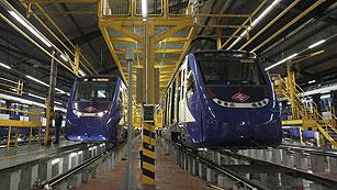 Ver vídeo  'Dos muertos y dos heridos al chocar un tren en las cocheras de Metro de Madrid'