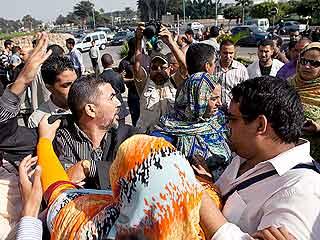 Ver v?deo  'Dos periodistas españoles agredidos en Casablanca, Marruecos'