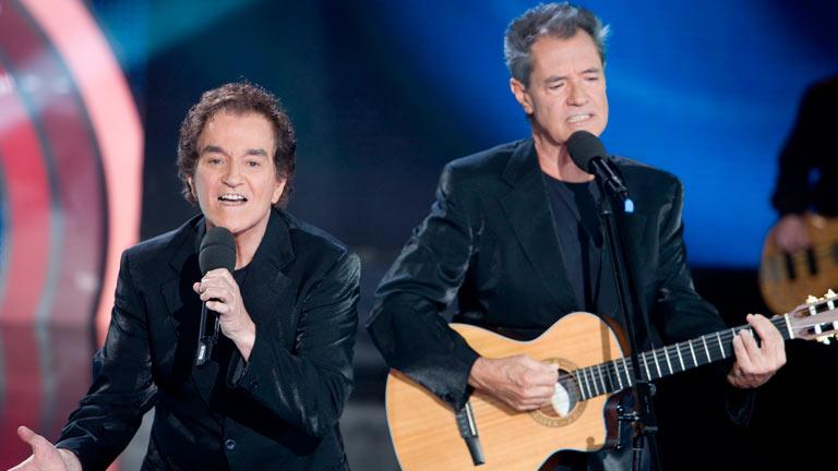 Disco del año 2011 - Actuación del Dúo Dinámico con Carlos Baute