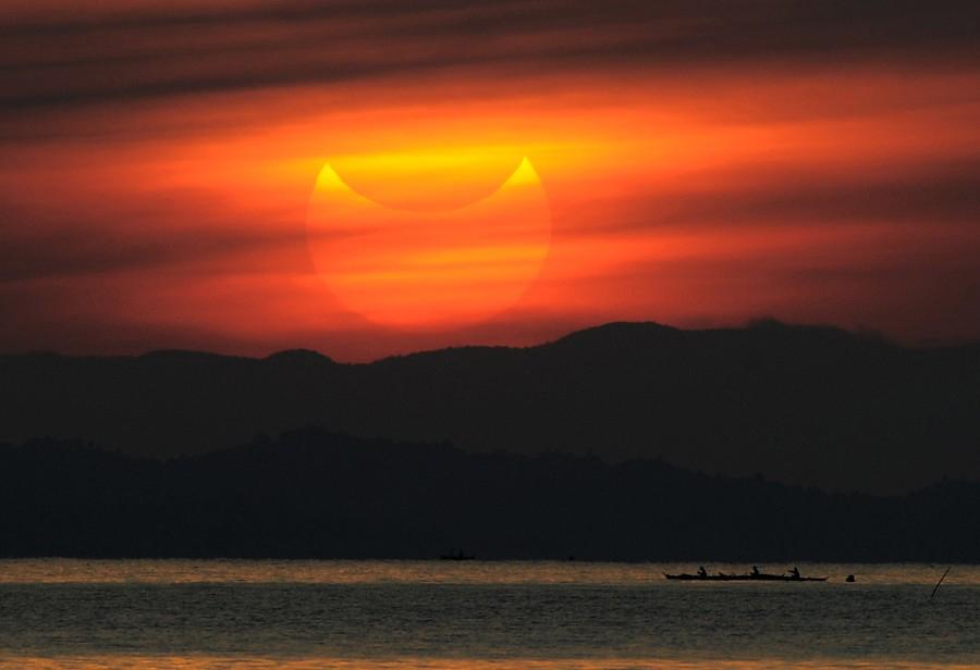 Un eclipse de Sol que ha proporcionado espectaculares imágenes