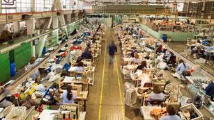 Ver vídeo  'La economía cayó un 0,3% en el primer trimestre, con lo que se confirma su entrada en recesión'