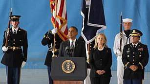 Ver vídeo  'EE.UU. recibe a los fallecidos en el ataque a su embajada en Libia'