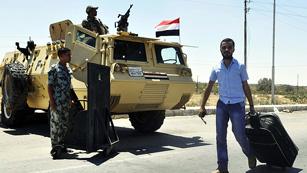 Ver vídeo  'Egipto sigue desplegando tropas en Sinaí'