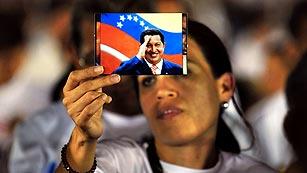 Ver vídeo  'El Ejército muestra lealtad a Chávez, que recibe el apoyo de líderes latinoamericanos'