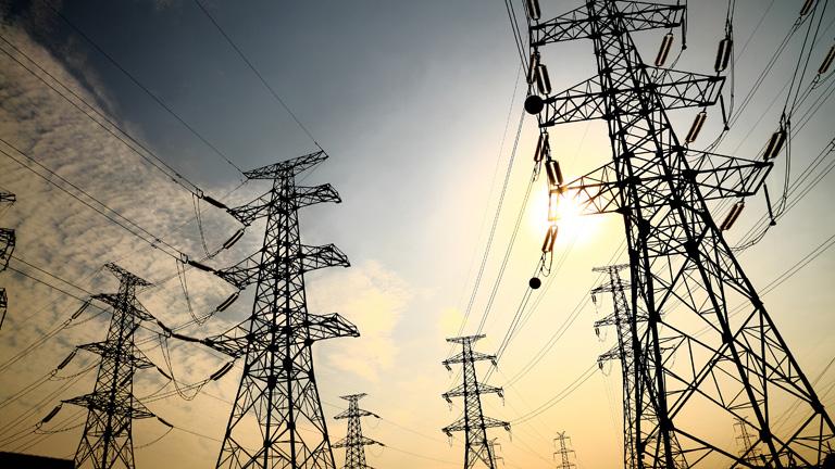 Las eléctricas caen en Bolsa tras saber que el Gobierno no pondrá 3.600 millones para evitar el déficit de tarifa