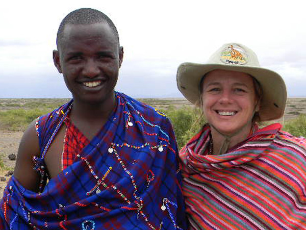 Emma hizo muchos amigos en Kenia - Buscamundos